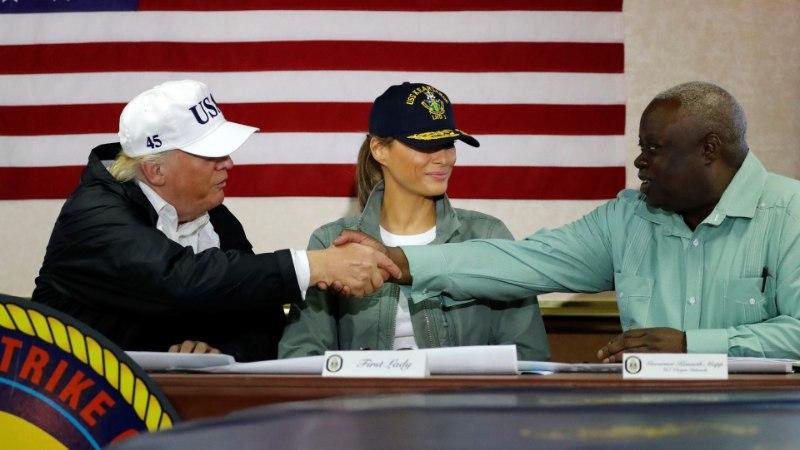 FOTOD   Trump võrdles Puerto Ricol Maria ohvreid Katrina käes kannatanutega