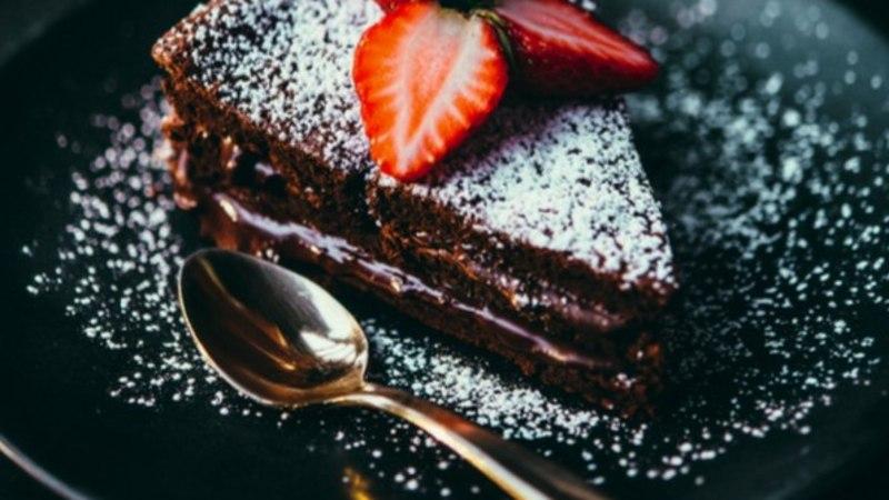 Rõõmusta end hallil päeval ja valmista lihtne šokolaadikook tšilliga