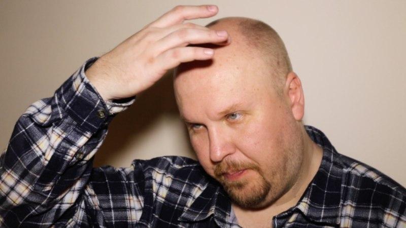 """ÕL VIDEO   Tarvo Vridolin: """"Mulle see parukas ikka väga meeldib, sest mul tavaelus juukseid ei ole!"""""""