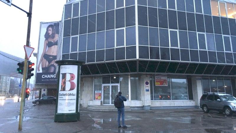 Keskerakond müüs oma Toompea kontori soomlasele, kellelt rendib nüüd poeruume