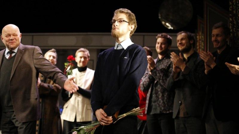 FOTOD JA VIDEO | Panso preemia sai teatritudeng Priit Põldma