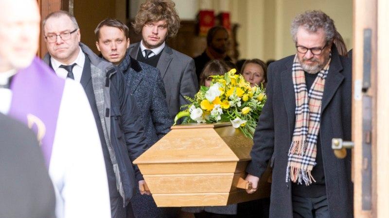 GALERII   TEATRI- JA KINOLEGEND: Aarne Üksküla saadeti Kaarli kirikust viimsele teele
