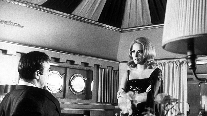 Suri Bondi-filmi võluv punapäine sarimõrtsukas