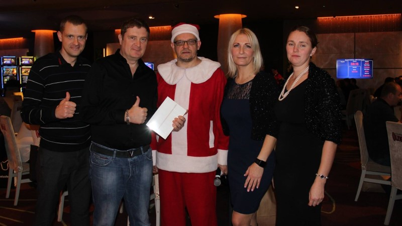 Eesti pokkerimängijad kogusid 2730 eurot Koeru Perekodu toetuseks