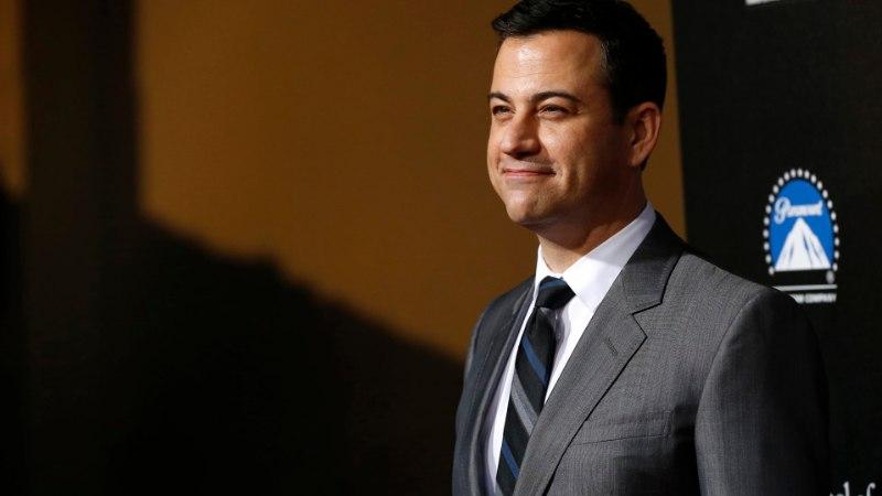 VIDEO   Pisarais Jimmy Kimmel näitas südamelõikuse läbinud pisipoega