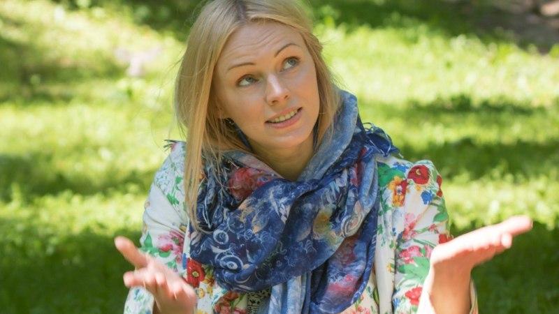 """Hittloo """"Aasta ema"""" autor Kristiina Ehin: ma arvan, et see laul kõnetas nii paljusid, kuna selle tähtsaimaks märksõnaks on meestepuudus"""
