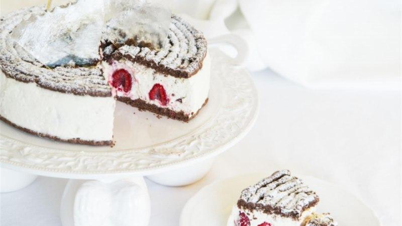 Jõululaua keskpunkt. Kuidas teha mandliküpsistega tordipõhja?