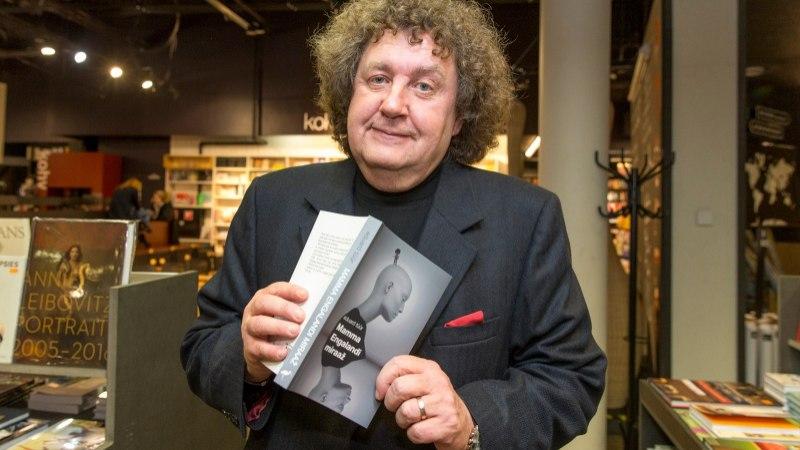 """Peeter Sauter Eduard Tüüri raamatust: """"Turul sussimüüjana töötades hirmutasin kliente laiali, kui seda naerdes lugesin"""""""