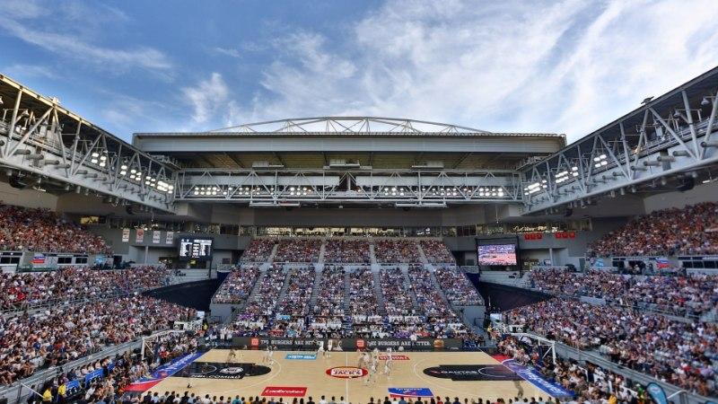 VIDEO | Austraalia korvpalli meistriliiga kohtumine peeti lageda taeva all!
