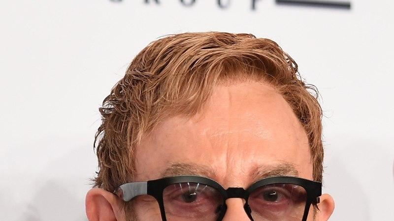 Suri Elton Johni ema