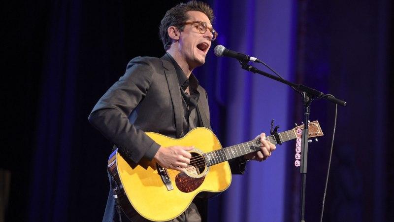 Rokkar John Mayer viidi erakorralisele lõikusele
