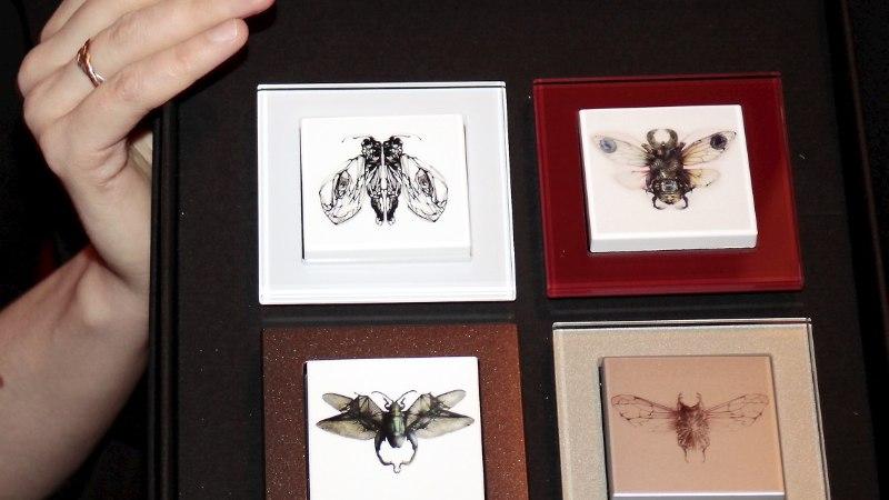 PILDID   Moelooja Britt Samoson esitles eksklusiivsete disainlülitite kollektsiooni