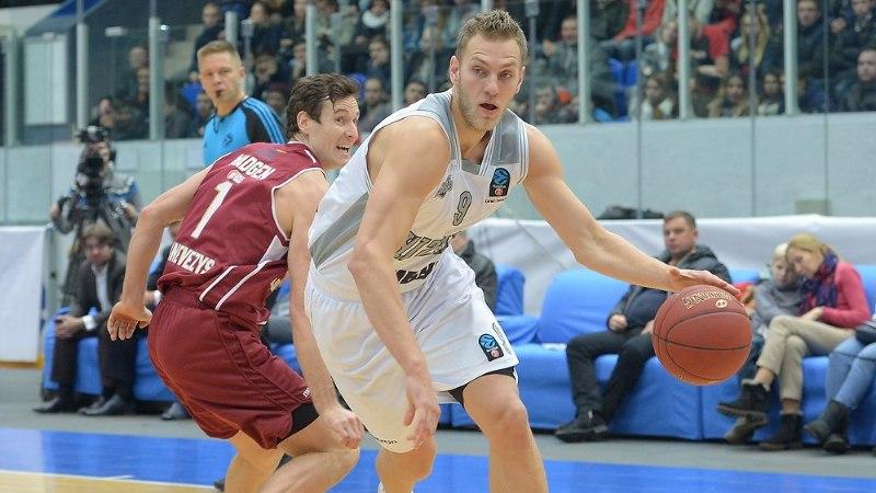 Nižni Novgorod lasi endale veerandiga visata ligi 40 ja mänguga üle 110 punkti ning kaotas kindlalt Unicsile