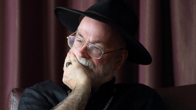 """Terry Pratchett: """"Seasita sisse uppumise kõrval on Alzheimer nagu jalutuskäik pargis. Aga see park muudab aina kuju."""""""