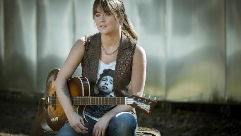 Bassitüdruk Mai Agan läheb tuurile USA rokilegendi David Crosbyga