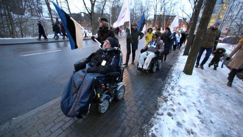 Unistus viis ratastoolirahva Toompeale lipuheiskamisele