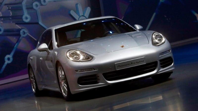 Jari Litmaneni Eesti kodu hoovist ärandati kallis Porsche – politsei sai masina kätte Lätist