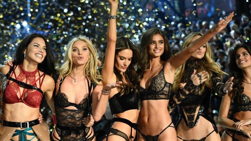 TRIMMIS JA PITSIS INGLID RANNAL: Victoria`s Secreti kaunitarid võtmas paljastavaid poose...