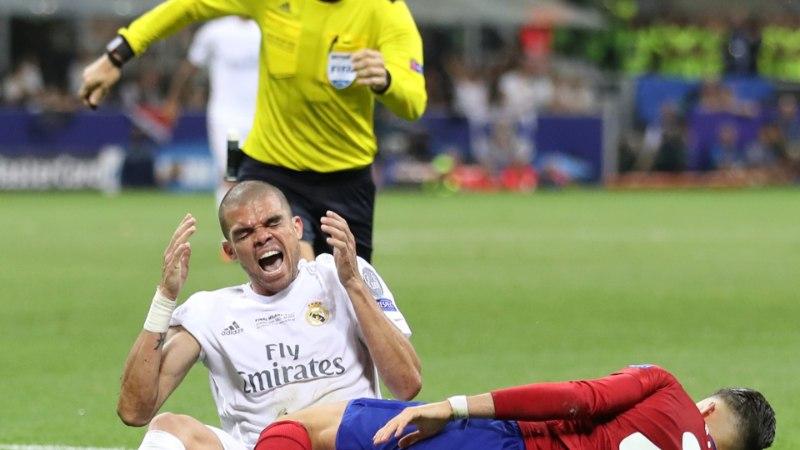 Mis nõksuga vilistab Eesti – Horvaatia mängu Mark Clattenburg? Ikka tutvuste abil!