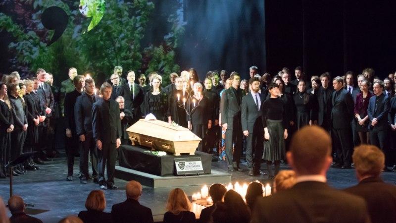"""KALJU KOMISSAROVI VIIMANE LAVASTUS: """"See, kes on teatri verega, läheb  teatrist ainult jalad ees."""""""