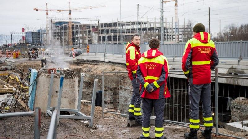 FOTOD SÜNDMUSKOHALT! Tallinnas Ülemistel puhkes rajatavas trammitunnelis tulekahju