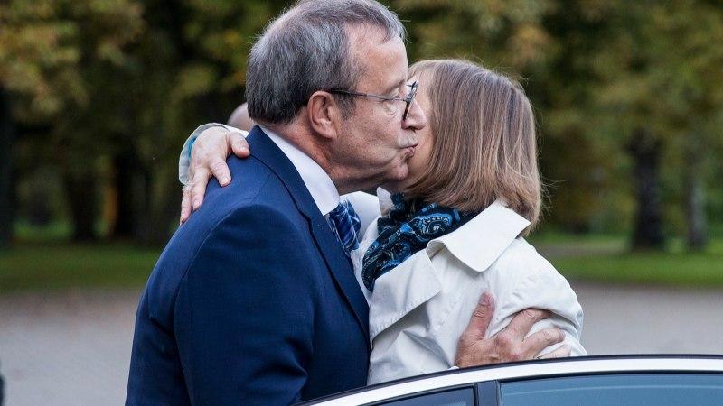 GALERII   Visiidid pikituna suusalustiga ehk Proua presidendi pool aastat ametiaega!