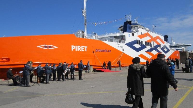 Tallinna Vanasadamasristiti parvlaev Piret