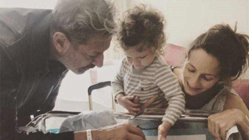 64aastane Jeff Goldblum peab jälle mähkmeid vahetama