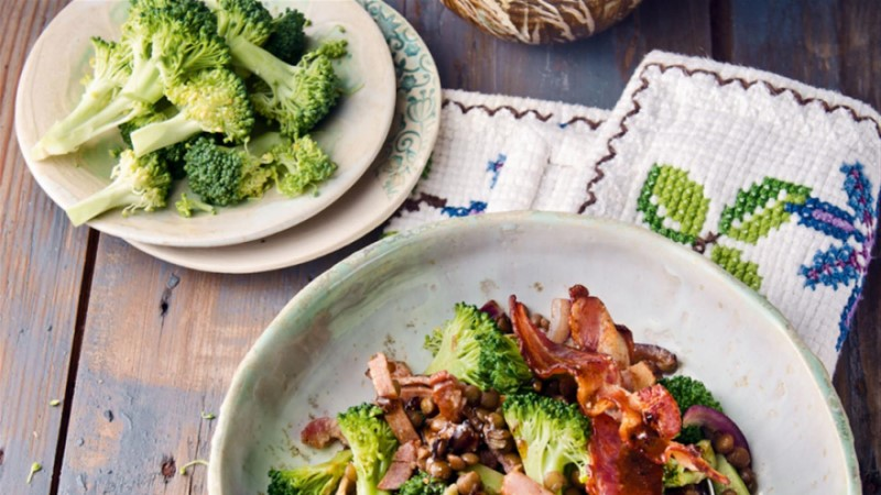 Soe läätse-brokolisalat peekoniga