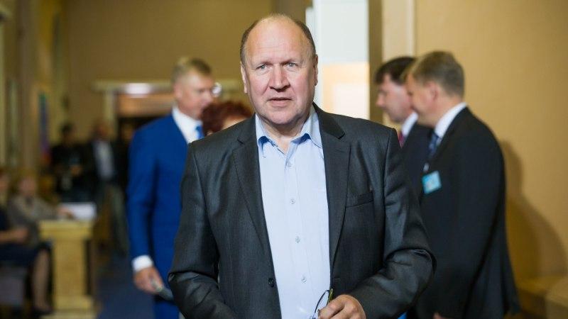 Helme: Semjonovile teenetemärgi andmine on kasulik Kremlile