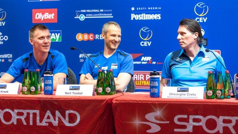 GALERII | Eesti meeste ja naiste võrkpalli rahvuskoondised tulid enne tähtsaid mänge üheskoos rahva ette!