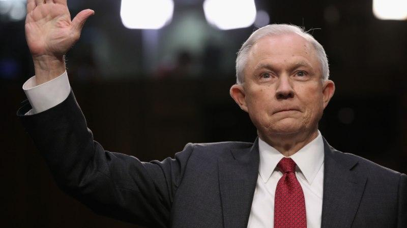 """USA justiitsminister senati luurekomisjoni ees: """"Süüdistused minu vastu on valed!"""""""