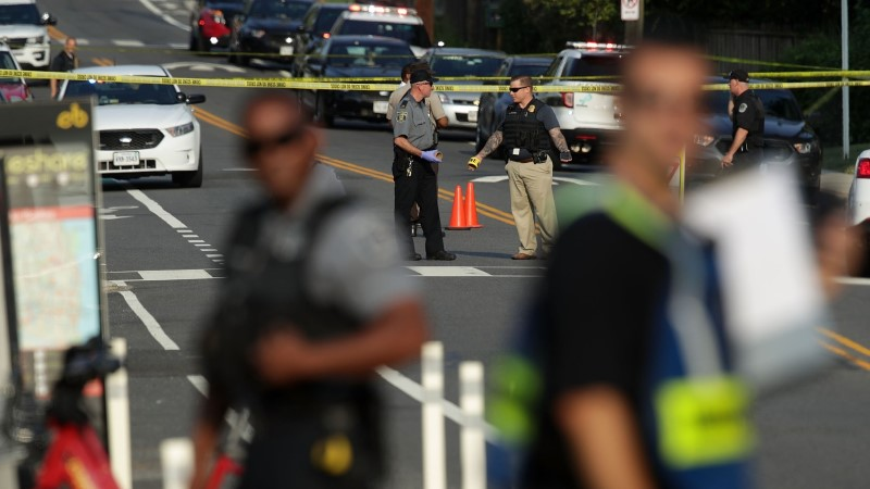 FOTOD | Virginia osariigis Alexandrias toimus tulistamine, viga sai kongresmen