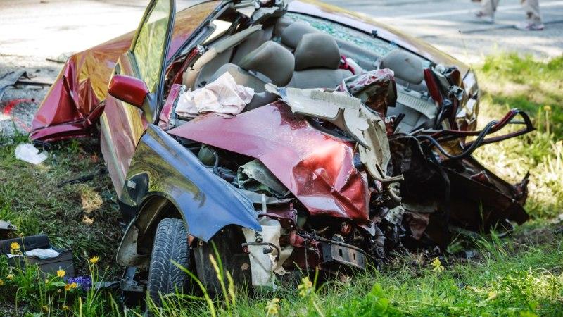 Autode laupkokkupõrkes hukkus 21aastane noormees