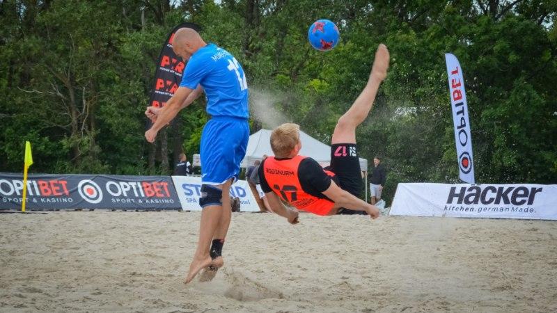 Eesti rannajalgpalli kõrgliigas on esikolmik vaid kolme punkti sees