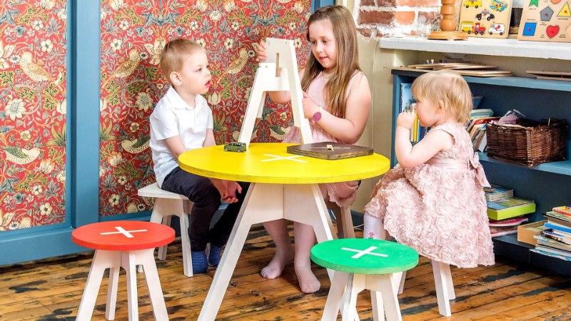 SÄRTSU SUVESSE | Lauad ja toolid, mille kokku panemine on jõukohane ka lastele! Vaata ja imesta!