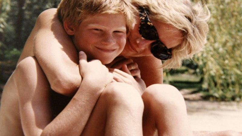 """Prints Harry: """"Mida kõike ma oleksin emale öelnud, kui oleksin teadnud, et see on meie viimne telefonikõne ..."""""""