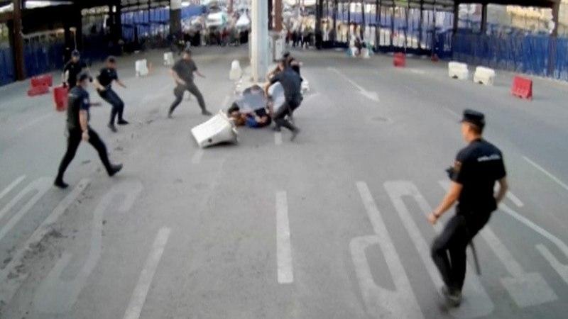 "Melillal ründas mees noaga politseinikku, karjudes ""Allahu akbar!"""