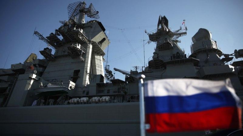 VIDEO   Lahinguristleja Pjotr Veliki jõudis Peterburgi