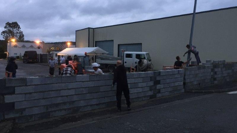 Edela-Prantsusmaal valmis põgenikevastane müür ühe ööga