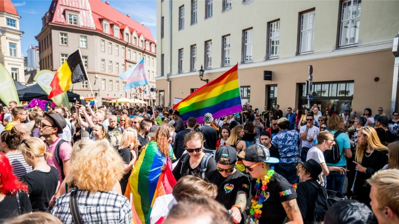 LIVE JA GALERII | Vaata, mis toimus Tallinna LGBT paraadil!