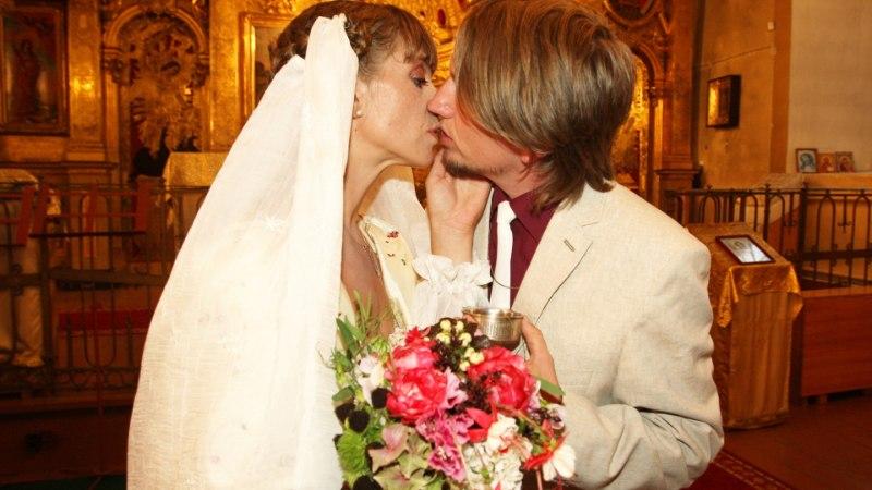 RUTTU KOKKU, RUTTU LAHKU: kuulsuste abielusid hukutab liiga kõrge enesehinnang?