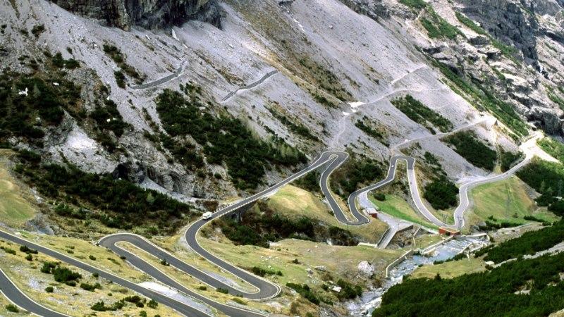 Autoga Itaaliasse: ohtlikud mägiteed, kitsad tänavad ja tappev kuumus