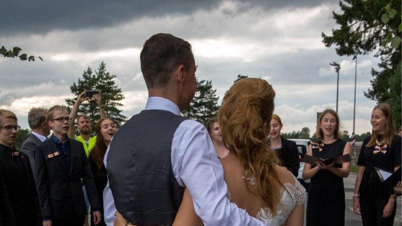 VIDEO | Moelooja Kristina Viirpalu: Luisa tahtis mugavat pulmakleiti, mida ka hiljem kanda