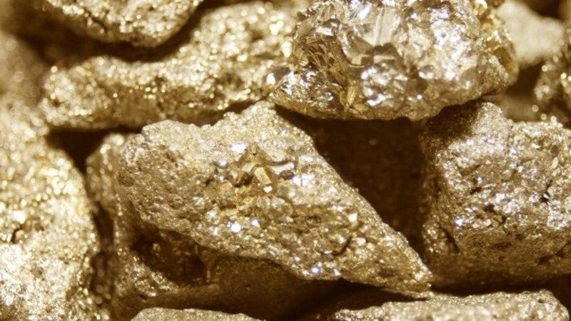 KUULA NÕUANDEID: kuidas kristallide abil võimendada külluseteadvust ja luua soovitud elu?