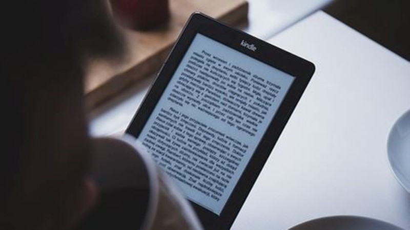 Что лучше - e-reader или планшет?