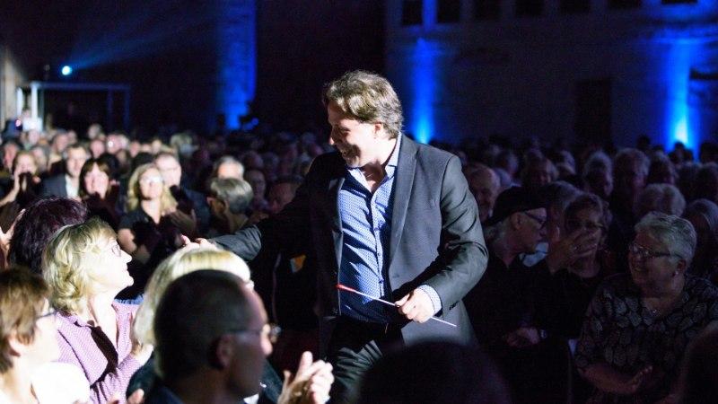 5a81ae76046 GALERII | Monton esitles Saksamaal Läänemere Filharmooniaorkestri ja  Kristjan Järvi kontserdi raames oma kollektsiooni