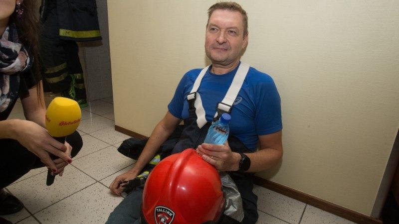 """ÕHTULEHE VIDEO   Raivo E. Tamm pärast trepijooksu: """"Kümme viimast korrust rebisin end käsipuud pidi üles."""""""