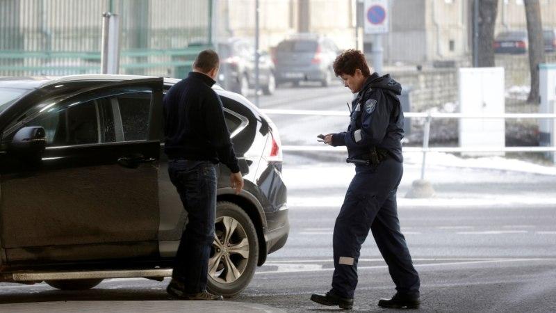 Leht: Vene luure eesliinil on FSB värvatud salakaubavedajad