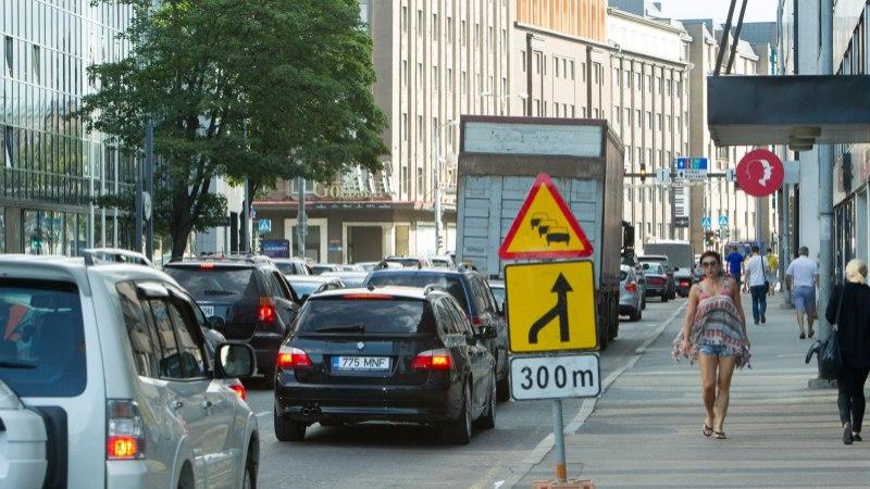 Politsei soovitab pidevalt kõrgeid külalisi võõrustavas Tallinnas teeremondi seisma panna